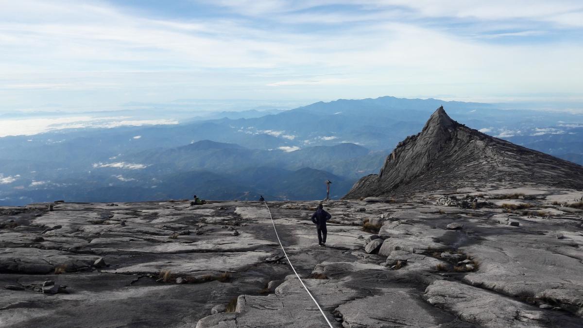 Mt. Kinabalu in 14 hours (1)